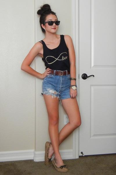 chain Chloe  Isabel bracelet - vintage Levis shorts - black Ray Ban sunglasses