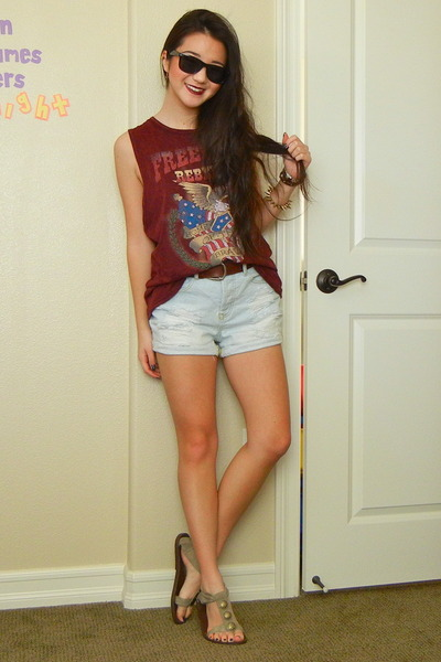light blue denim Forever 21 shorts - crimson cotton Forever 21 t-shirt