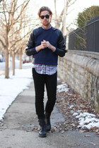 Colorfast shirt - Dr Martens boots - Kr3w jeans - ray-ban sunglasses