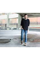 Topman t-shirt - Levis jeans - Ridgemont Outfitters sneakers