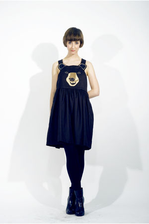 black theLBD dress