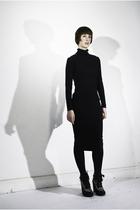 Black-olivia-vanderharst-dress