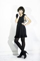 Black-thelbd-dress