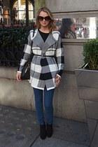 Bershka cardigan - asos jeans - Sophie Hulme bag - Tom Ford sunglasses