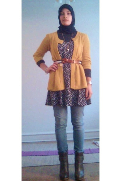 brown vintage belt - brown Payless boots - blue floral vintage dress