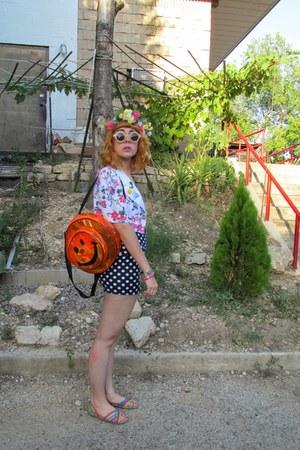 flower crown DIY hair accessory - thrifted bag - shorts - magenta Crocs sandals