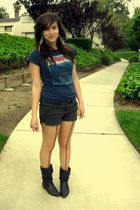 Forever 21 t-shirt - Forever 21 shorts - Urban Outfitters tights - vintage boots