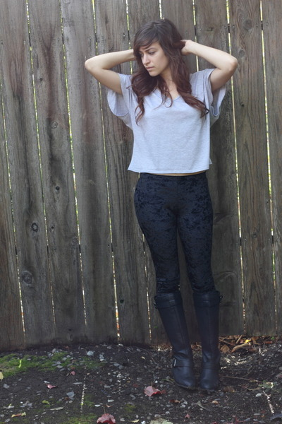Forever 21 boots - romwe leggings - Urban Outfitters shirt