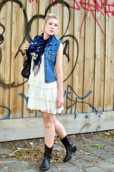 Secondhand vest - vintage dress - vintage scarf - vintage boots