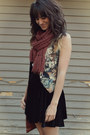Dark-brown-cat-print-vest-maroon-forever21-scarf