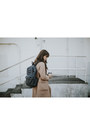 Camel-blq-basiq-coat-black-frame-jeans-gray-jansport-bag