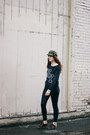 Black-madewell-jeans-army-green-free-people-hat-black-garage-sweater