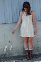 dark brown embroidered boots - off white lace BB Dakota dress