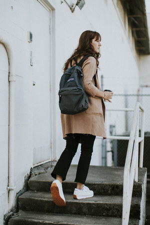 gray jansport bag - camel Blq Basiq coat - black Frame jeans