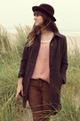 Dark-brown-vintage-stetson-hat-brown-free-people-pants-salmon-blouse