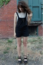 gold Constance Anne necklace - black romper - off white lace top