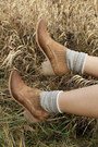 Camel-boots-tan-vintage-maxi-dress-off-white-h-m-scarf