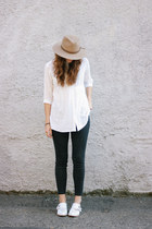 camel hat - dark gray madewell jeans - white blouse