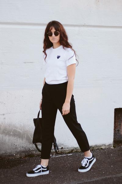 black PRIMECUT bag - white comme des garcons play t-shirt - black Vans sneakers