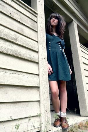 dark brown vintage shoes - teal button vintage dress - neutral Forever 21 socks