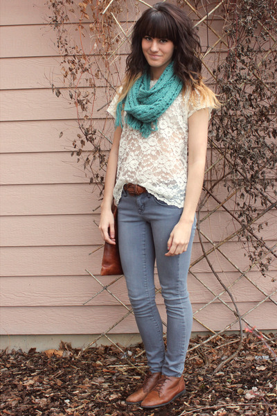 382f9fcad320e7 off white vintage lace top - heather gray volcom jeans - teal scarf