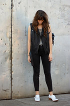 black madewell jeans - white Jeffrey Campbell boots - black vintage bag