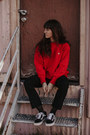 Ruby-red-champion-sweatshirt-black-vans-sneakers