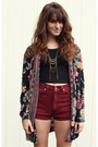 Black-floral-vintage-jacket-maroon-vintage-levis-shorts-black-cropped-top