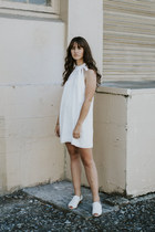 white Mutma shoes - white Delacy dress