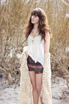 teal Urban Outfitters shorts - bronze Urban Outfitters necklace - white top