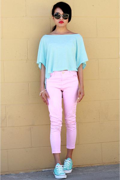 Converse sneakers - pink Topshop jeans - Super sunglasses
