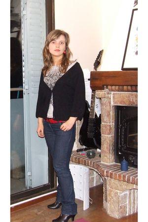 silver Tom Tailor t-shirt - black Naf Naf cardigan - etam jeans - red unknown br