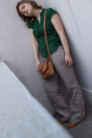 beige Zara pants - green H&M shirt - Sonate shoes - purse - green moa earrings