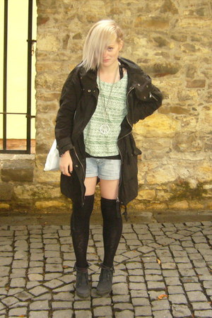 aztec New Yorker t-shirt - vagabond boots - Topshop coat - DIY bag