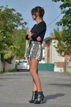Mango shorts - Uterqe boots - vintage jumper