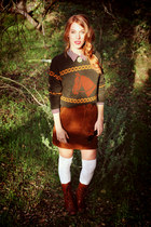 army green equestrian vintage gifted sweater - dark brown born boots
