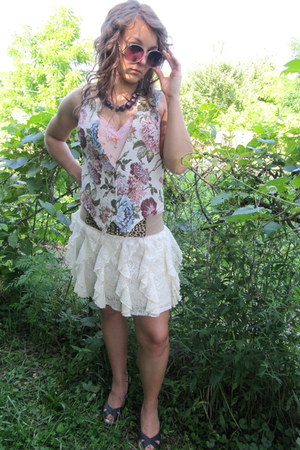floral print thirfted vintage shirt - lace thrifted skirt - Charlotte Russe wedg