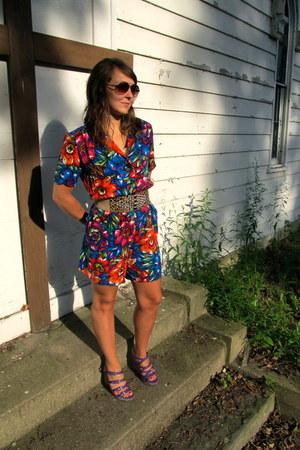 thrifted vintage bodysuit - Charlotte Russe belt - ethnic purple Journeys sandal
