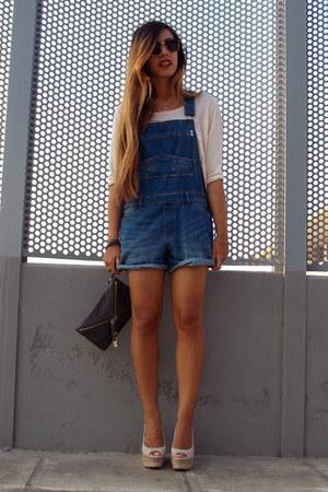 cream H&M t-shirt - navy pull&bear jeans - gray Dolce & Gabbana bag