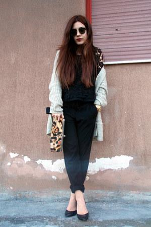 black Zara pants - bronze Giuseppe Zanotti bag - beige pull&bear cardigan