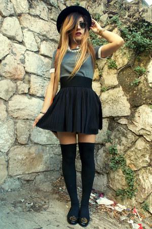 Stradivarius skirt - Zara hat - Dolce & Gabbana top - tory burch flats