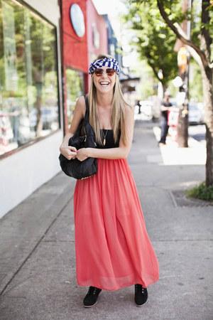 skirt - bag - bra