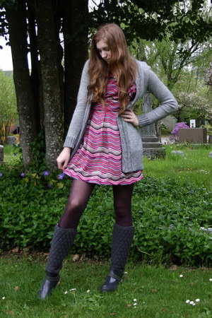 bubble gum Nordstrom dress - deep purple Target tights