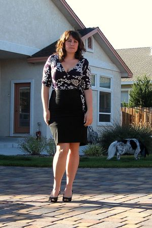 black Old Navy skirt - purple H&M in Prague dress - black moms shoes