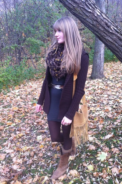 tan Aldo boots - brown wool Jacob sweater - leaf thrifted belt