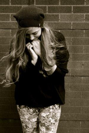 floral H&M leggings - black TNA hat - black H&M sweater