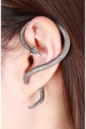 TheScarletRoom earrings