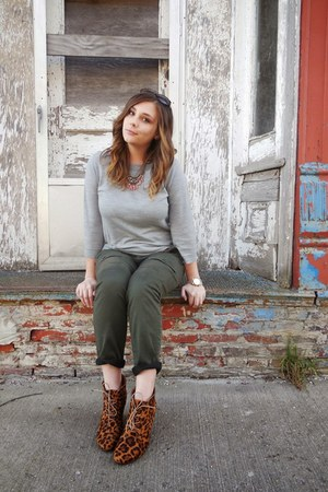 heather gray sweater - olive green pants