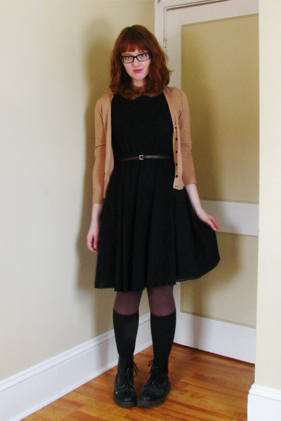 thrifted dress - Joe Fresh cardigan - fur collar vintage accessories