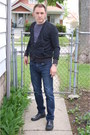 Leather-aldo-shoes-skinny-jeans-levi-authentics-signature-jeans-messenger-be